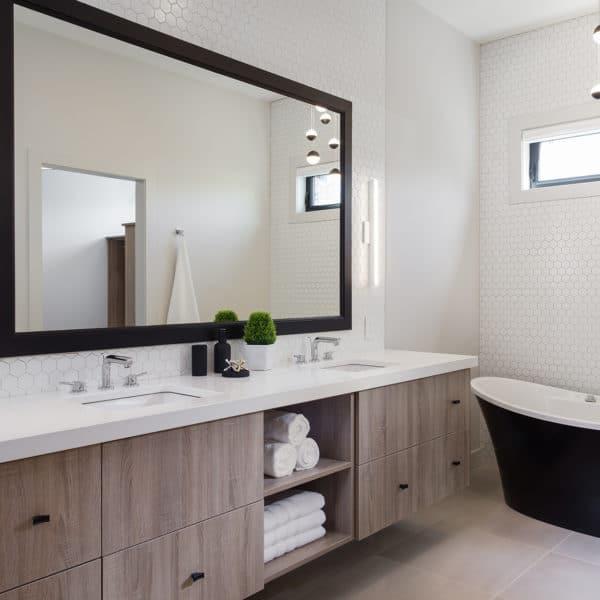 Freeport PNE Prize Home 2017 Bathroom